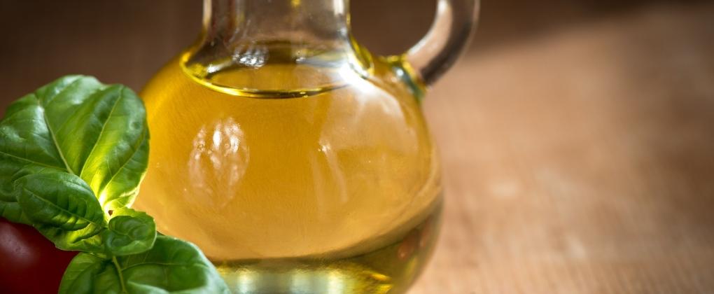 Aceite-de-oliva-corazon-mediterraneo