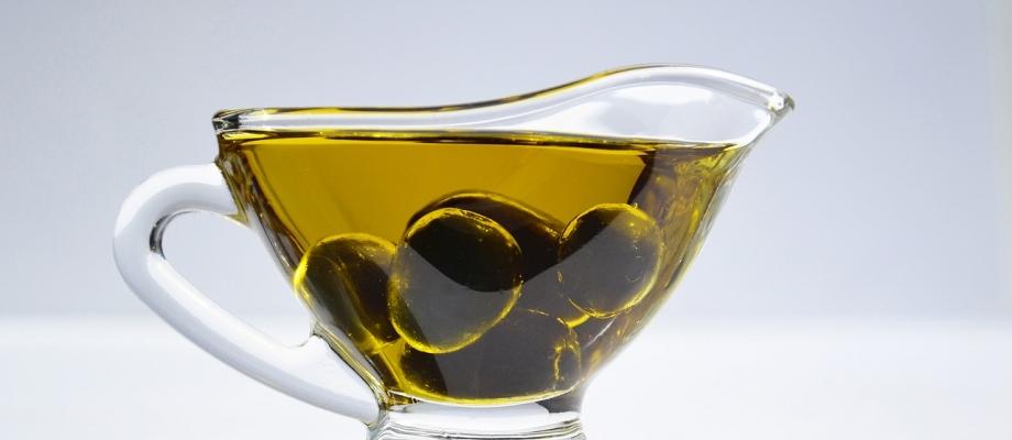 aceite-oliva-ecologico-corazon-mediterraneo